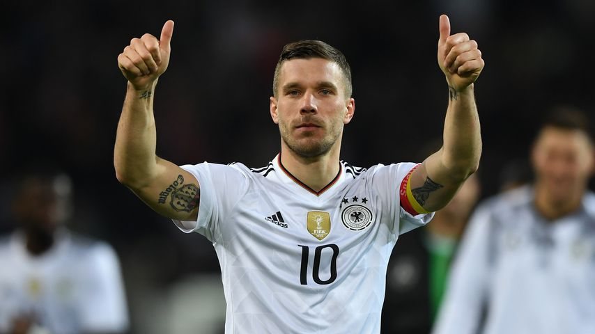 Schon gewusst? Poldi trägt riesiges WM-Tattoo auf dem Arm!