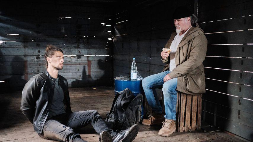 """Luke (Jakob Graf) und Robert (Luca Maric) bei """"Unter uns"""""""
