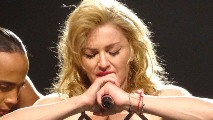 Muss das sein? Madonna präsentiert ihren Schritt