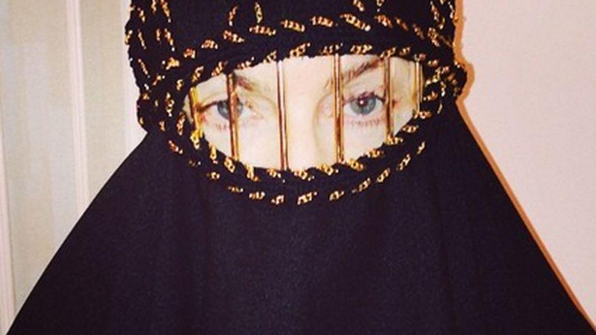 Grenzwertiges Pic? Madonna trägt Gesichtsschleier