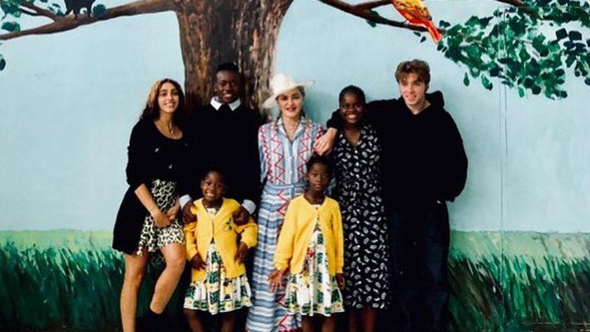 Seltenes Familienfoto: Madonna zeigt alle ihre sechs Kinder!
