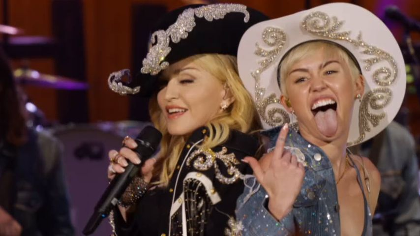 Cowgirl-Action! Madonna macht's mit Miley Cyrus