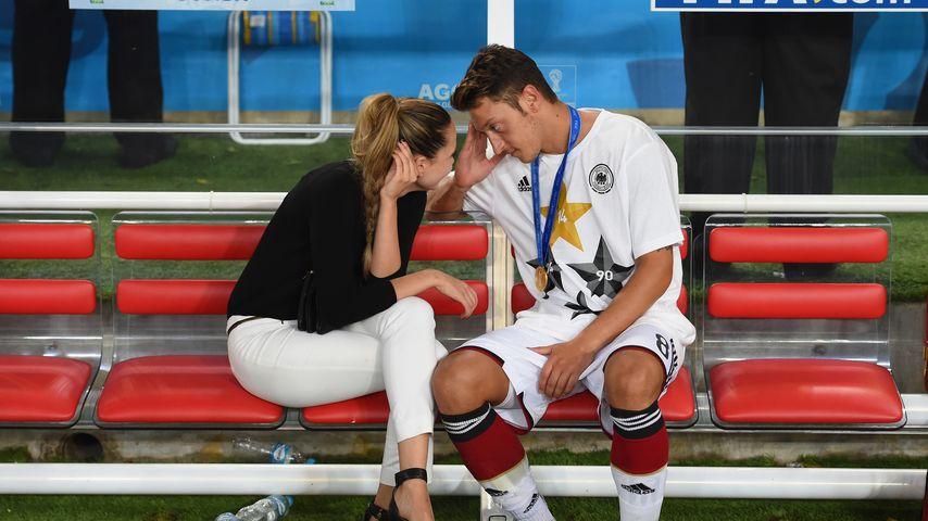 Grace Capristo und Mesut Özil nach dem WM-Finale 2014