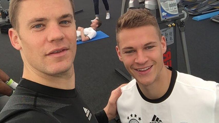 FCB-Teamkollegen Manuel Neuer und Joshua Kimmich