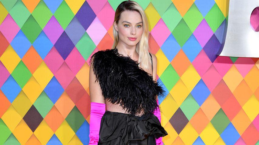 Feder-BH: Margot Robbie nimmt Filmtitel wohl sehr wörtlich!