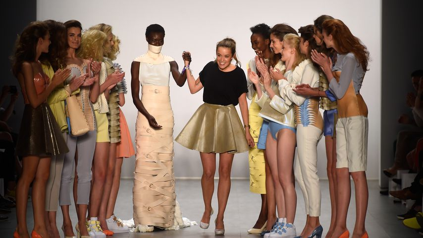 Designerin entsetzt: GNTM-Kandidatin lästert über ihre Mode!
