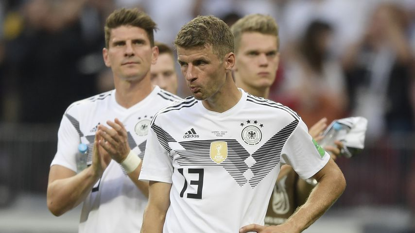 Mario Gomez und Thomas Müller nach dem WM-Spiel gegen Mexiko