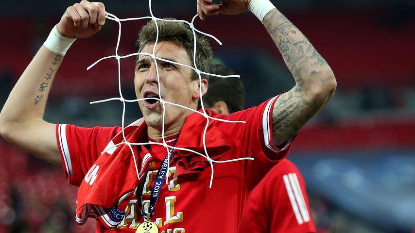Freche Diebe: FC Bayern-Stars klauen Tor-Netz
