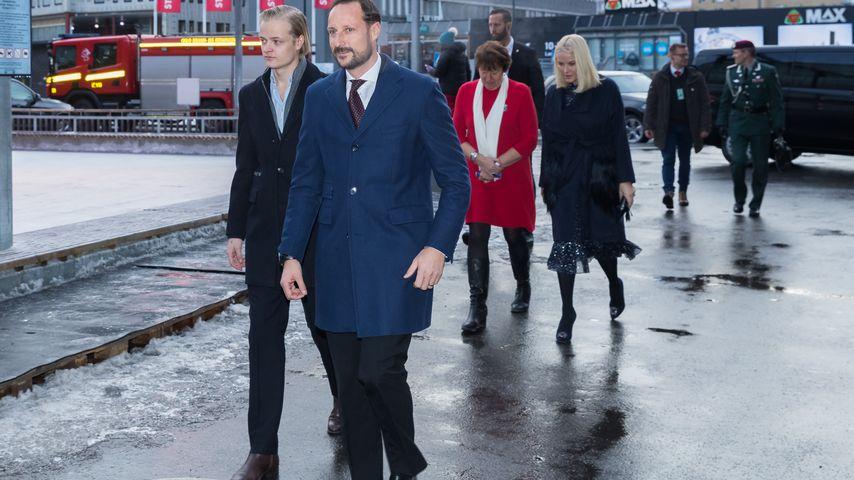 Marius Borg Høiby und Prinz Haakon unterwegs zum Weihnachtsessen in Oslo
