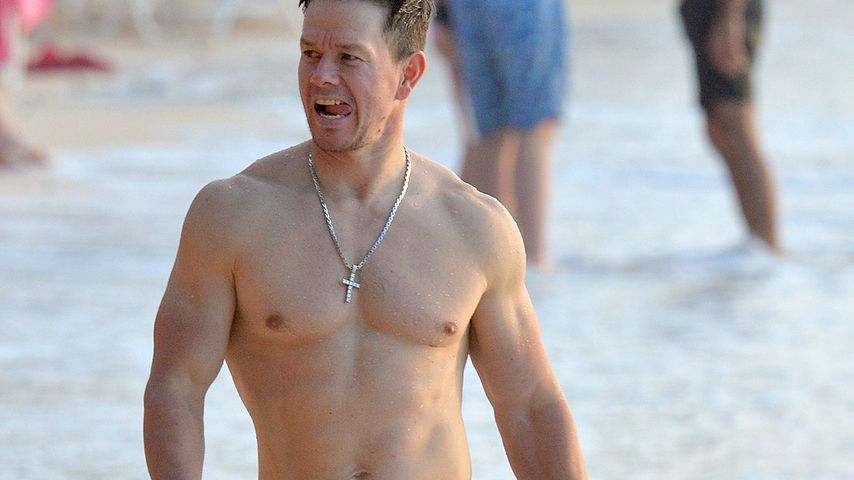 Muskelberg am Strand: Mark Wahlberg zeigt sein Sixpack!