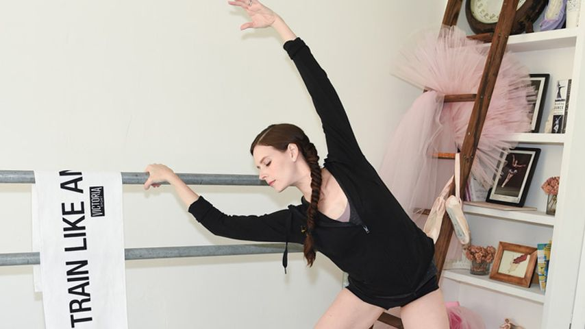 Mary Helen Bowers, Tänzerin