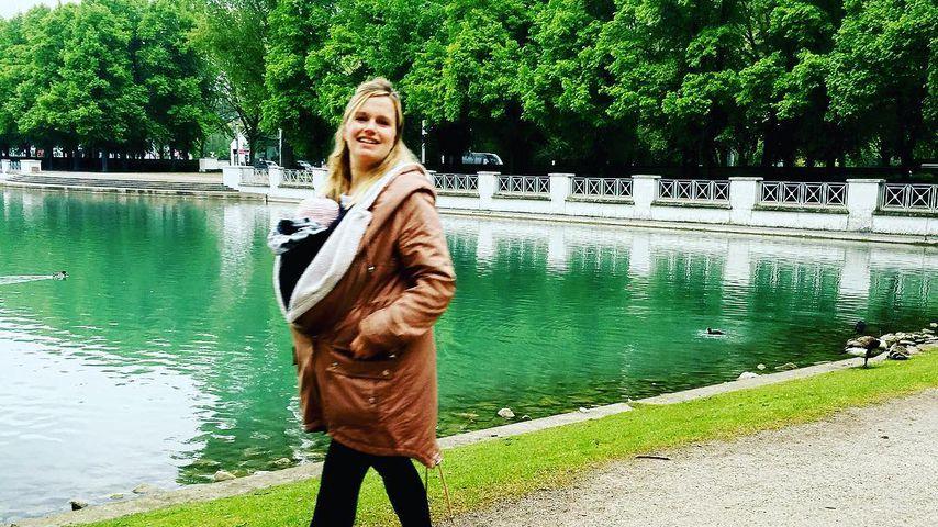 Nach Geburt: Ex-UU-Star Marylu Poolman führt ihr Baby aus