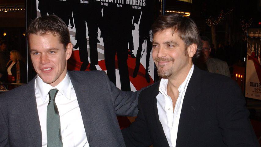 """Matt Damon und George Clooney bei der """"Ocean's 11""""-Premiere im Jahr 2001"""