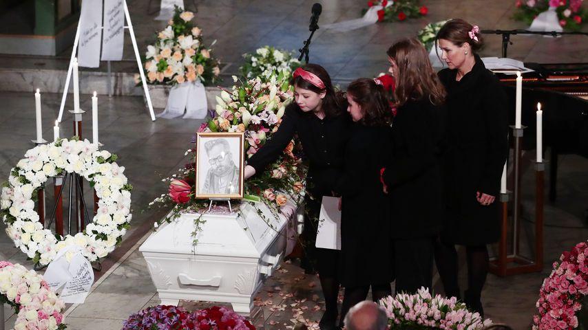 Bewegende Bilder: So ergreifend war Ari Behns Trauerfeier