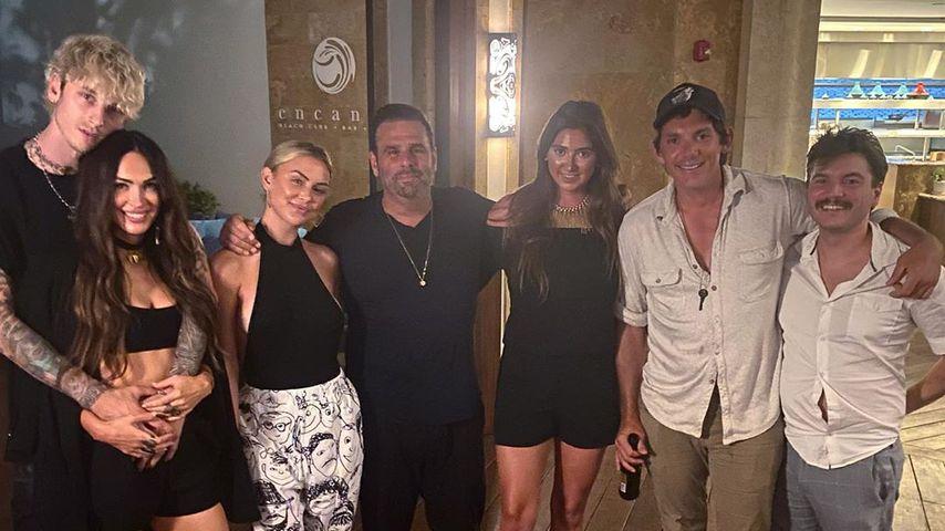 Megan Fox und Machine Gun Kelly mit Filmproduzent Randall Emmett und Schauspielkollegen, Juli 2020