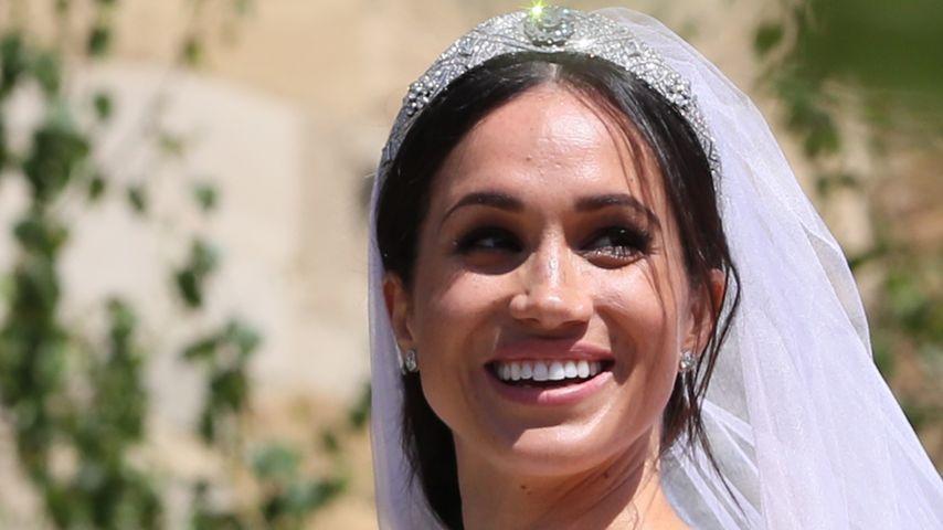 Fan-Theorie: War Meghan bei der Hochzeit schon schwanger?