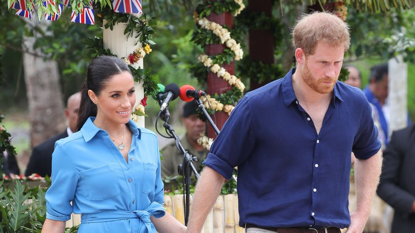 Im Partner-Look: Meghan & Harry ganz in Blau auf Tonga!