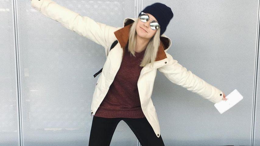Melina Sophie am Flughafen