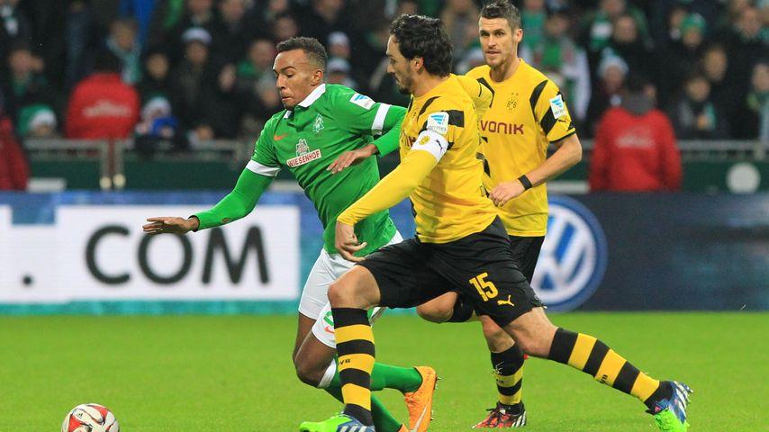 Melvyn Lorenzen beim Match SV Werder Bremen vs Borussia Dortmund