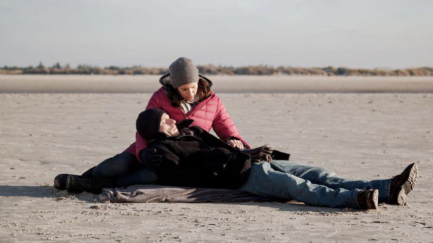 Einer der letzten Szenen von Bommel (Merlin Leonhardt) und Katrin (Ulrike Frank) bei GZSZ