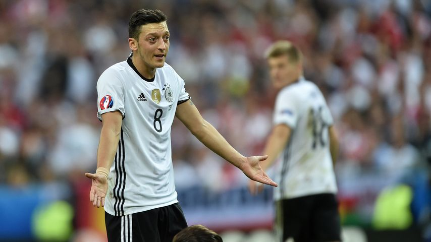 Mesut Özil beim EM-Spiel Deutschland gegen Polen