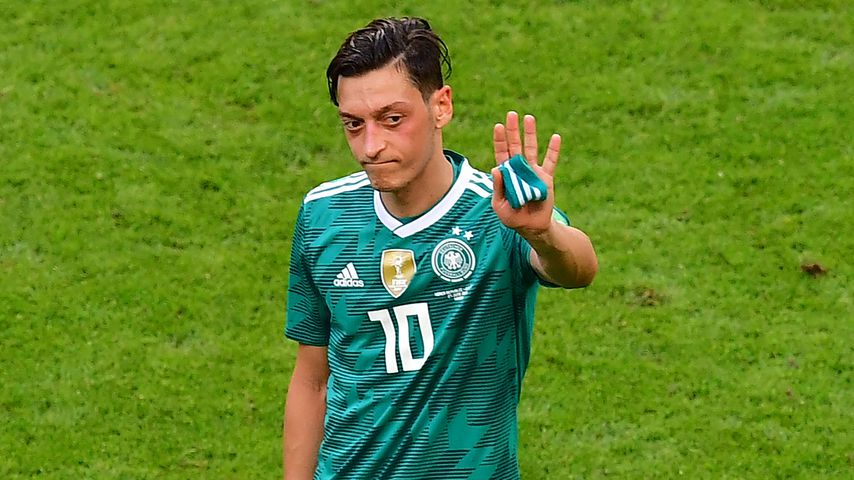 Özils Hausnummer war aufgemalt: So einfach wuchs Mesut auf!