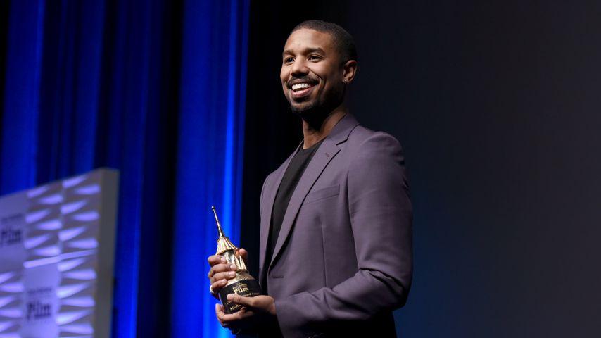 Michael B. Jordan mit dem Cinema Vanguard Award beim Santa Barbara International Film Festival im Fe