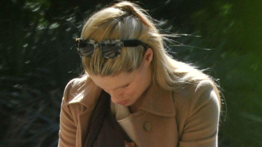 Sonnig: Hier trägt Michelle Hunziker Celeste durch den Park