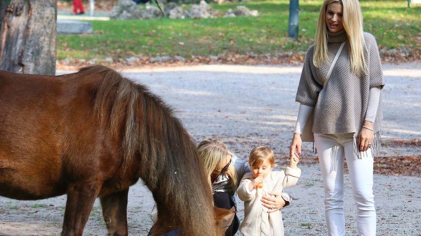 Süßes Duo! Michelle Hunziker & Sole im Tierpark