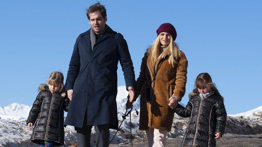 Michelle Hunziker und Tomaso Trussardi mit ihren Töchtern Sole and Celeste, Dezember 2019