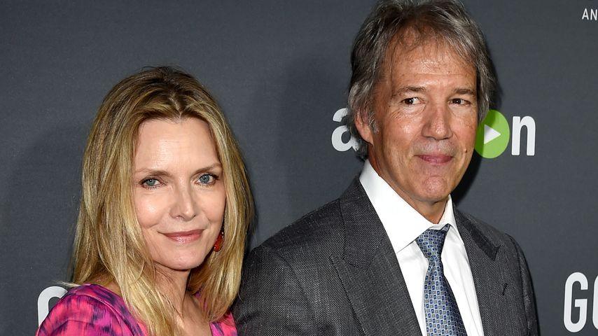 """Michelle Pfeiffer und ihr Mann David E. Kelley bei der Premiere von """"Goliath"""" in Hollywood, 2016"""