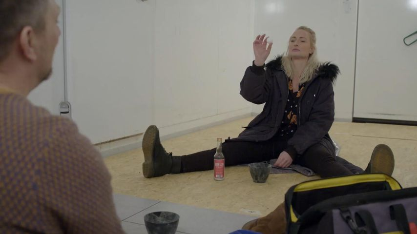 """Michi (Lars Pape) und Maren (Eva Mona Rodekirchen) bei """"Gute Zeiten, schlechte Zeiten"""""""