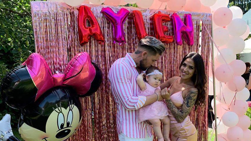 So süß feiern Mike und Elena Aylens ersten Geburtstag