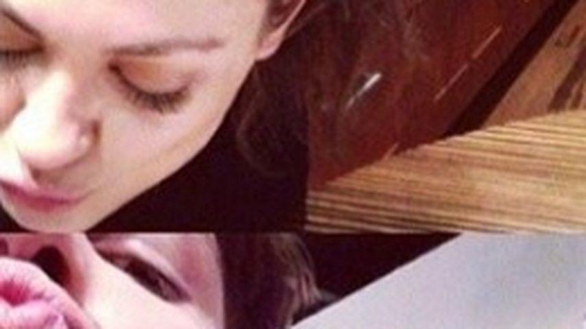 Süße Kuss-Collage: Mila Kunis bastelt für Ashton