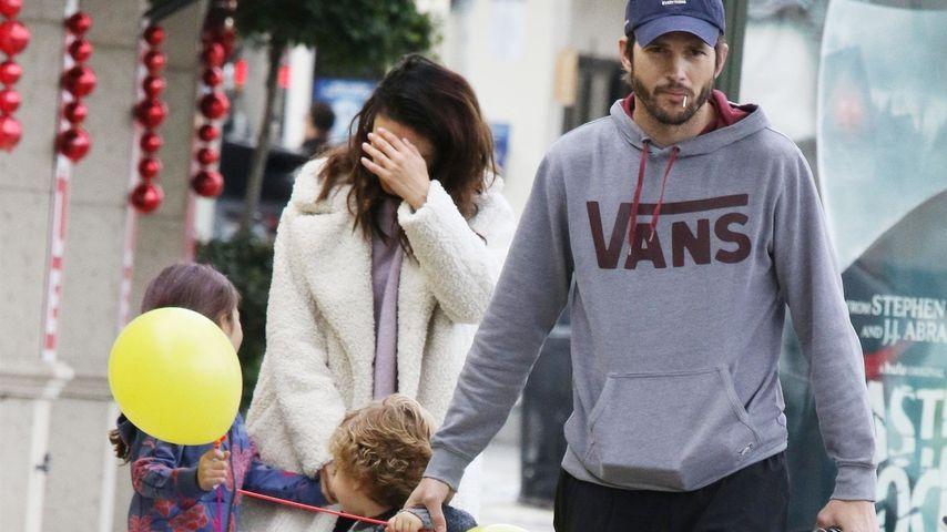 Mila Kunis und Ashton Kutcher mit ihren Kindern Wyatt und Dimitri