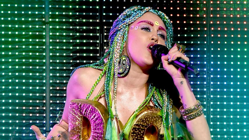Miley Cyrus bei ihrem Auftritt im Wiltern Theatre 2015