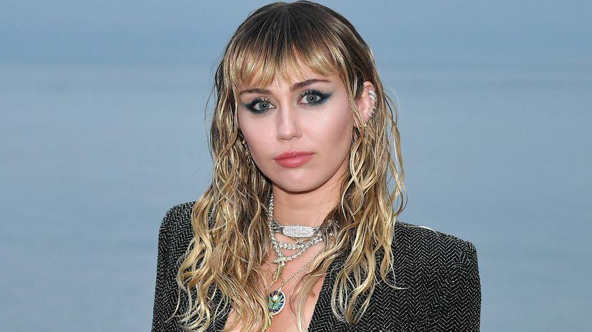 Miley Cyrus bei der Saint Laurent Fashionshow in Malibu im Juni 2019