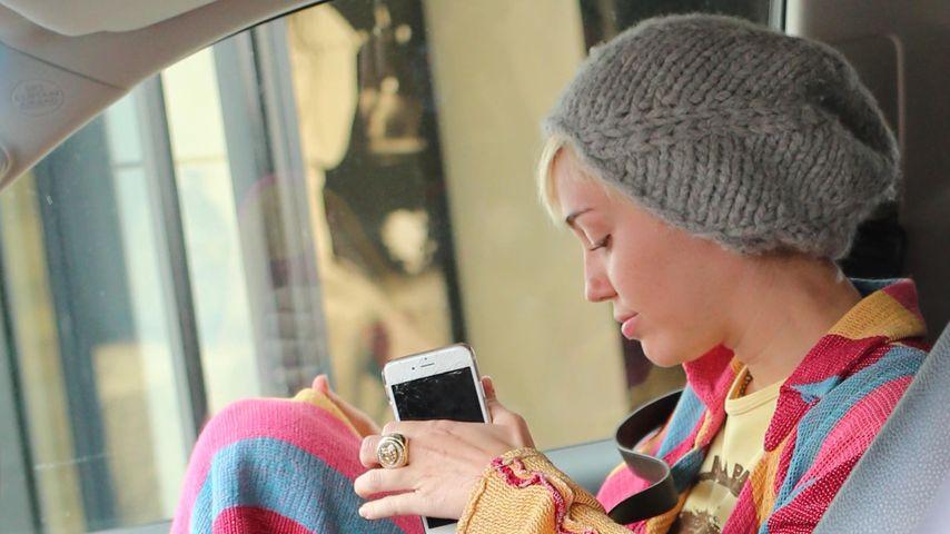 Wegen Liebes-Pause? Miley Cyrus sieht total fertig aus