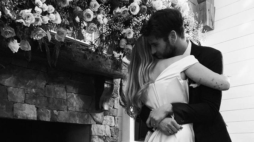 Traum aus Seide: So viel kostete Mileys Designer-Brautkleid