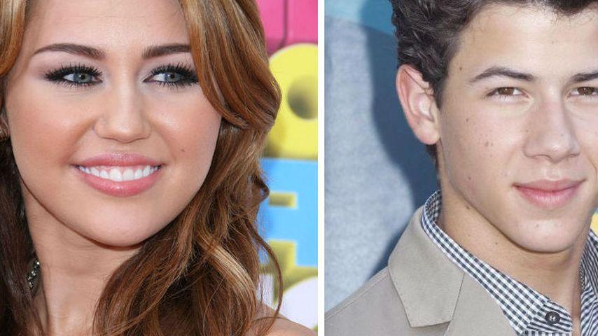 Beef mit dem Ex? Miley Cyrus hält sich von Nick Jonas fern!