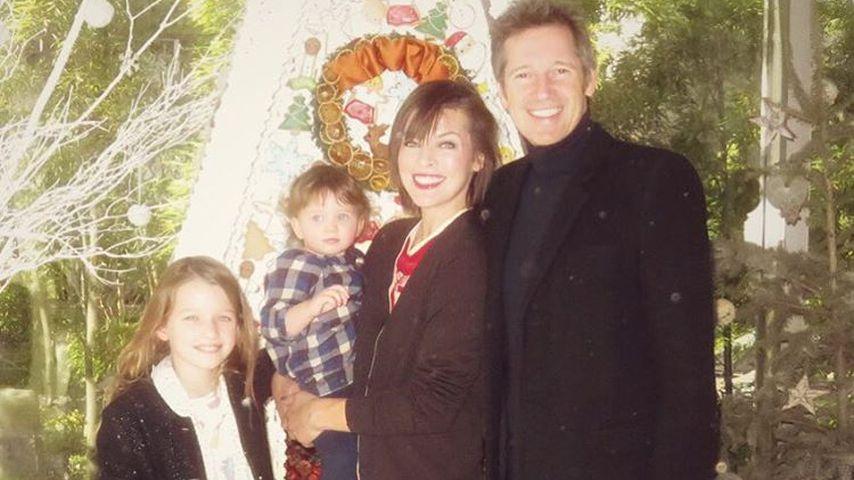 Milla Jovovich mit Ehemann Paul W. S. Anderson und ihren Kindern Ever Gabo (li.) und Dashiel Edan