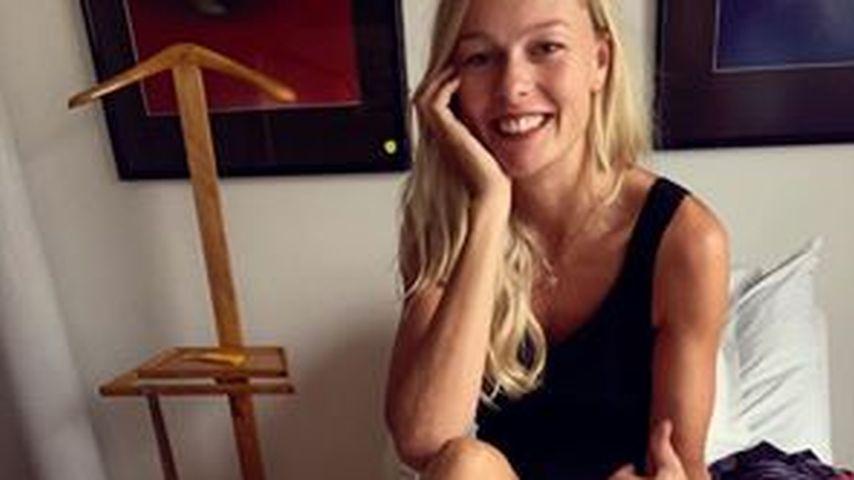 Miriam Höller zeigt ihre Verletzung