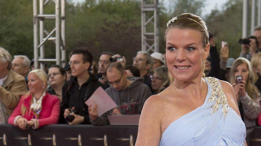 Kugelrund: Mirja Boes zeigt 7. Monats-Bauch