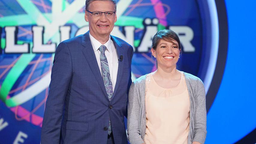 Moderator Günther Jauch mit Sandra Schläfle