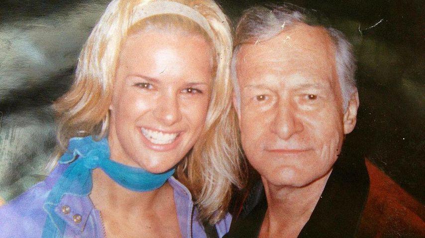 Vor 18 Jahren: Monica Ivancan schmiegt sich an Hugh Hefner