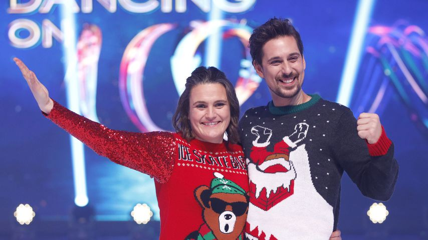 """Dancing on Ice""-Stars Nadine Angerer und David Vincour"