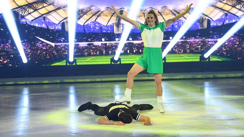 """Nadine Angerer und David Vincour bei """"Dancing on Ice"""", 2019"""