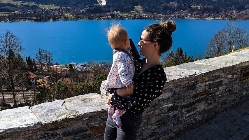 Nadine Menz und ihre Tochter im März 2020