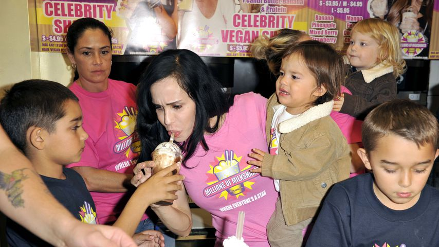 Nadya Suleman und ihre Kinder im November 2010 in Los Angeles