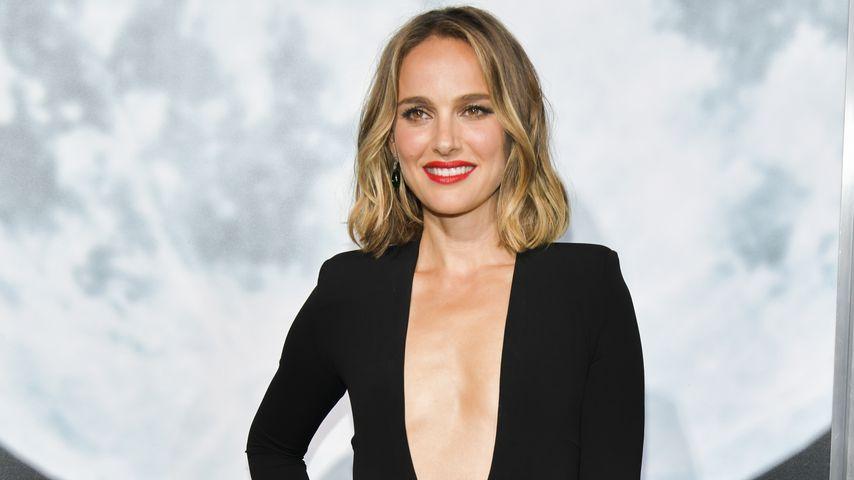 Ausschnitt bis zum Bauchnabel: Natalie Portman supersexy!